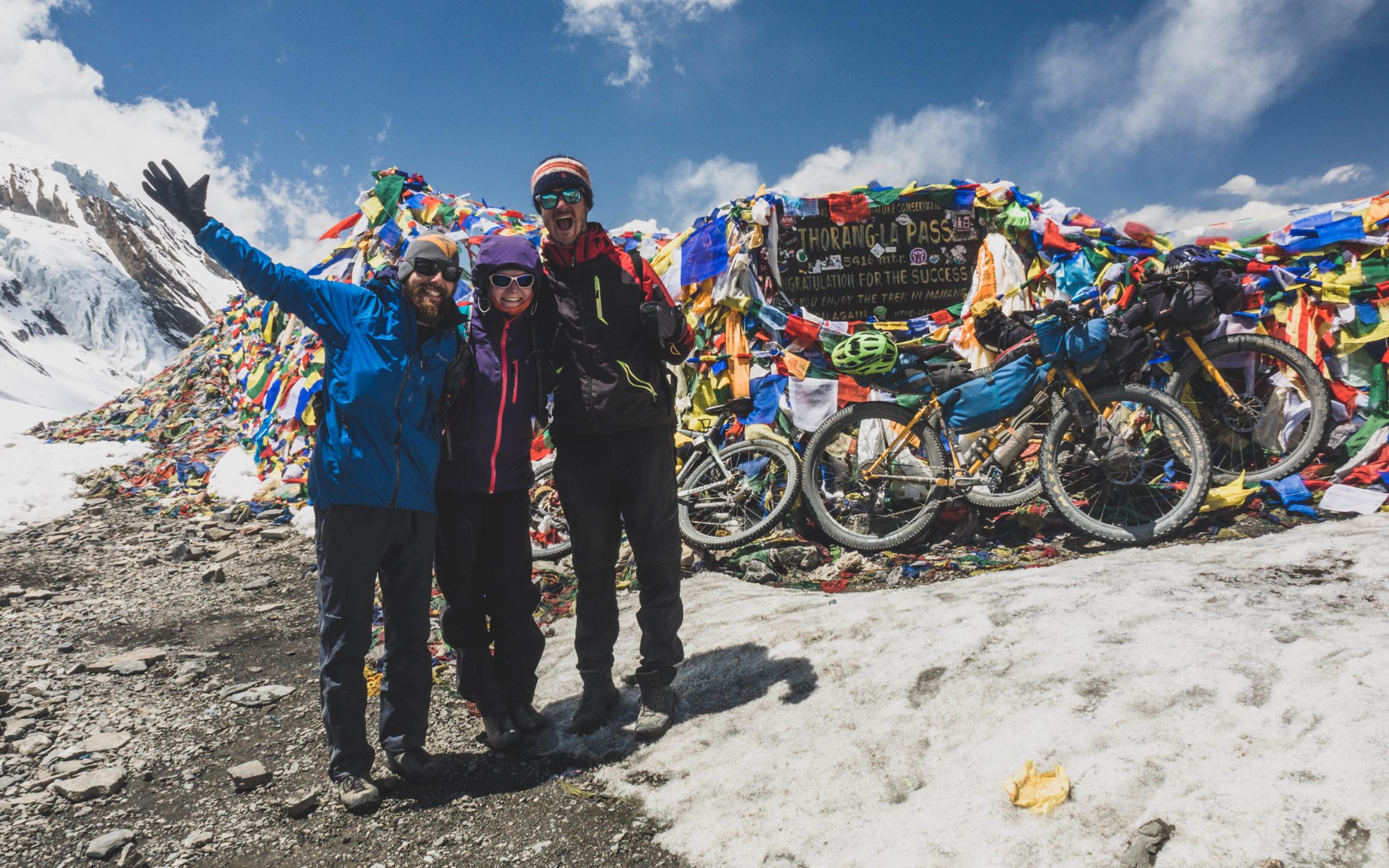 Na kolech kolem Annapuren